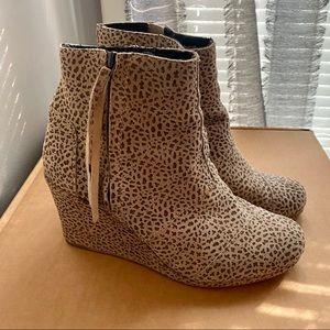 Tom's Cheetah print wedge booties